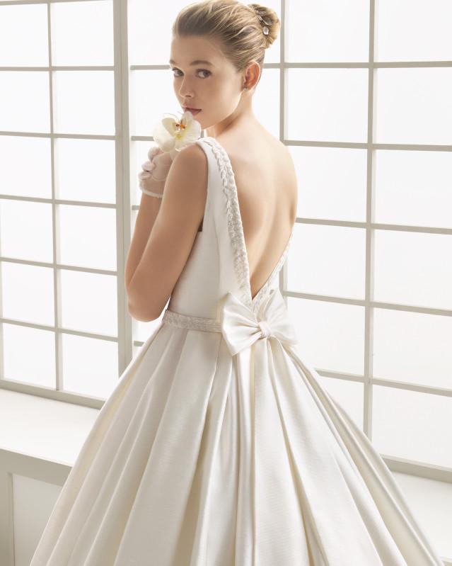 DELICADO vestido de novia Rosa Clará 2016