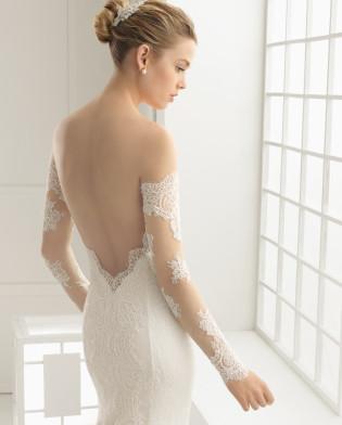DORE traje de novia en encaje rebrodé y chantilly.