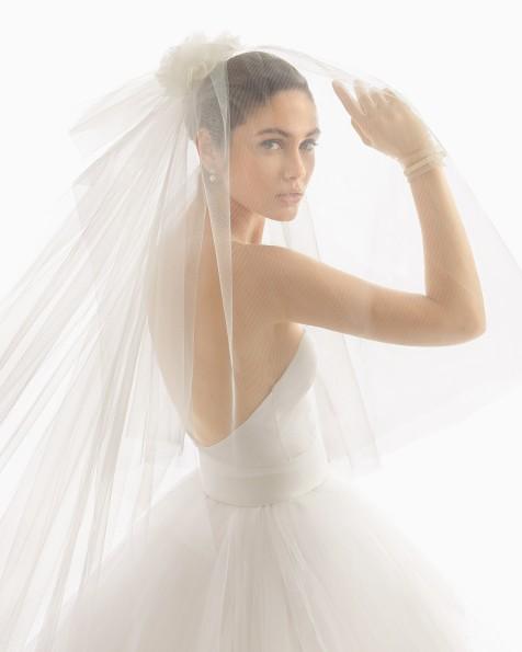 罗莎•克莱拉婚礼面纱。