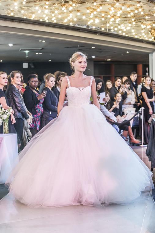 Rosa Clará приняла участие в модном показе в Париже