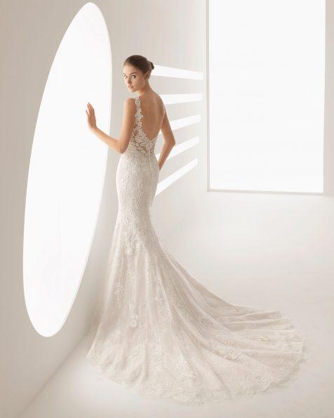 Meerjungfrau-Brautkleid aus Guipure-Spitze und Spitze mit V-Ausschnitt und tiefem Rückenausschnitt, in Perlgrau und Naturweiß.