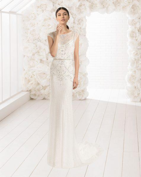 Vestido de noiva e transparência leve ablusado de brilhantes e chiffon de seda, em cor natural/prateado e marfim.