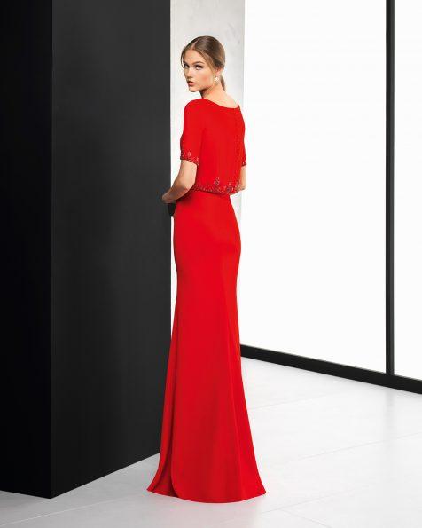 Длинное коктейльное платье из крепа, с аппликацией с отделкой бусинами. Цвета: кобальтовый, розовый, красный и зеленый. Коллекция ROSA CLARA COCKTAIL 2018.