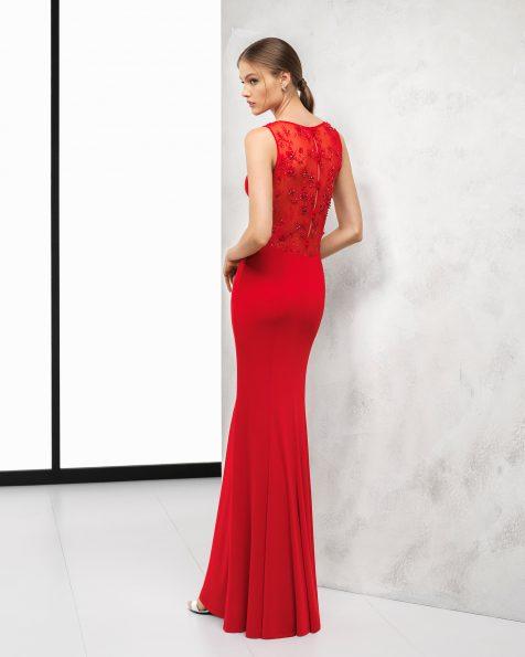 红色、黑色和深蓝色长款弹力绉绸鸡尾酒会礼服,采用珠饰蕾丝后背设计。 ROSA CLARA COCKTAIL 新品系列 2018.