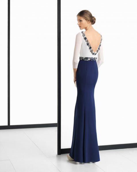 Длинное коктейльное платье из креп-жоржета, с отделкой бусинами; цвета: слоновой кости/темно-синий, дымчатый/черный и слоновой кости/дымчатый. Коллекция ROSA CLARA COCKTAIL 2018.