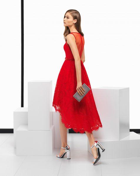 Vestido de cerimónia curto high-low de renda e brilhantes, em azul-cobalto, azul-marinho, azul-acinzentado, vermelho e roxo. Coleção ROSA CLARA COCKTAIL 2018.