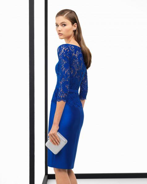 Vestit de festa curt de mikado i cos de blonda, amb màniga francesa. Disponible en color cobalt, blau marí, vermell, plata i coral. Col·lecció ROSA CLARA COCKTAIL 2018.