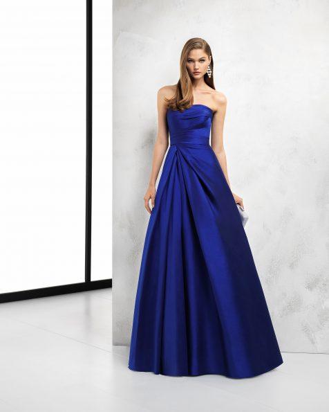 深蓝色、藏青色和红色长款罗缎鸡尾酒会礼服。 ROSA CLARA COCKTAIL 新品系列 2018.