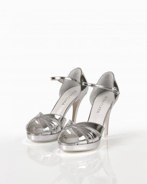 银色亮皮凉鞋,鞋跟高90 mm。 ROSA CLARA COUTURE 新品系列 2018.