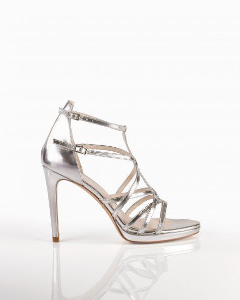 银色亮皮凉鞋,鞋跟高105 mm。 ROSA CLARA COUTURE 新品系列 2018.