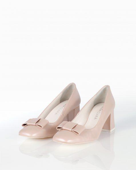 蝴蝶结装饰中跟皮革新娘宫廷鞋,有米白色和裸色可选。 ROSA CLARA COUTURE 新品系列 2018.