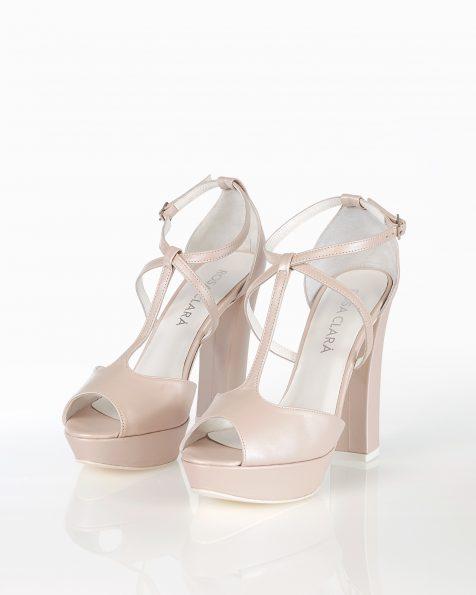 封闭式高跟皮革新娘水台凉鞋,有米白色和裸色可选。 ROSA CLARA COUTURE 新品系列 2018.