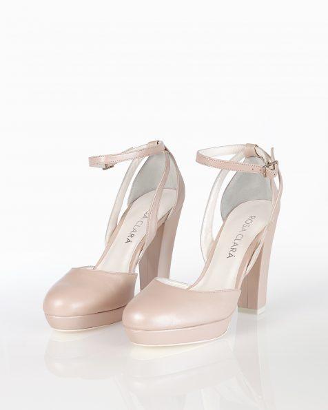 高跟皮革新娘宫廷鞋,有米白色和裸色可选。 ROSA CLARA COUTURE 新品系列 2018.