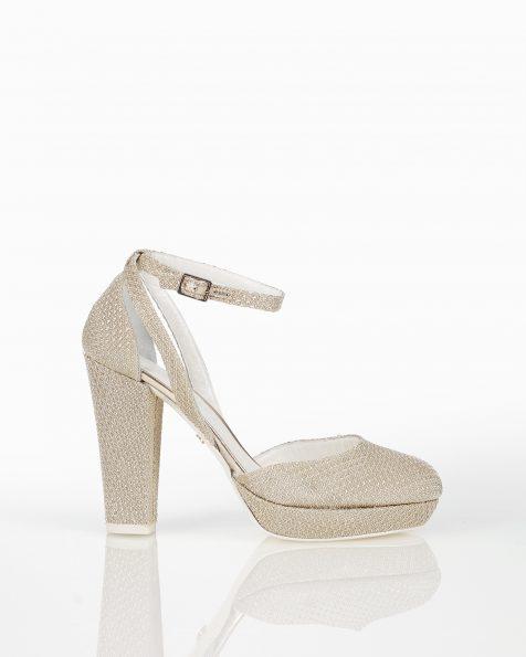 银色高跟格子设计新娘宫廷鞋。 ROSA CLARA COUTURE 新品系列 2018.