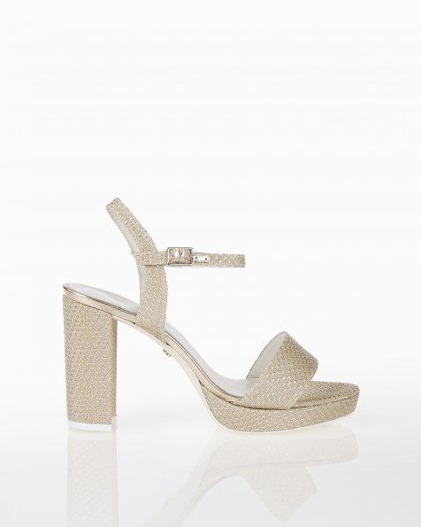 高跟格子设计新娘水台凉鞋,有银色可选。 ROSA CLARA COUTURE 新品系列 2018.