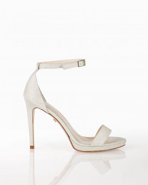 封闭式中跟格子设计新娘凉鞋,有白色和白金色可选。 ROSA CLARA COUTURE 新品系列 2018.