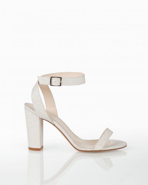 中跟格子设计新娘凉鞋,有白色和白金色可选。 ROSA CLARA COUTURE 新品系列 2018.
