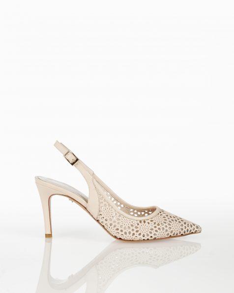 裸色露跟系带低跟打孔皮革新娘宫廷鞋。 ROSA CLARA COUTURE 新品系列 2018.