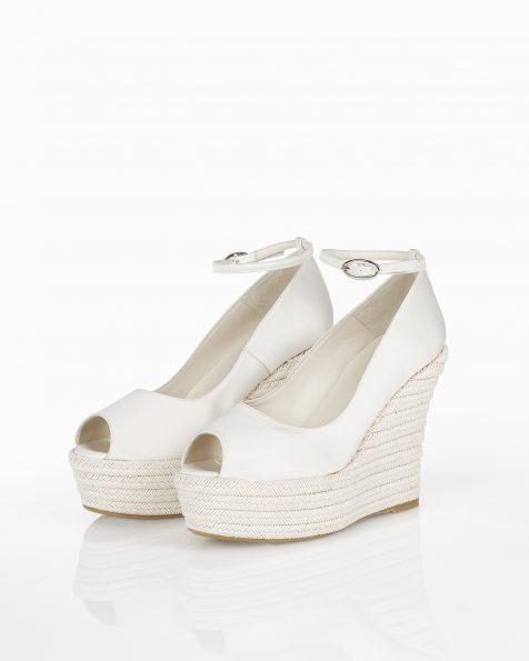 灰绿针草水台色丁新娘坡跟鞋。 ROSA CLARA COUTURE 新品系列 2018.