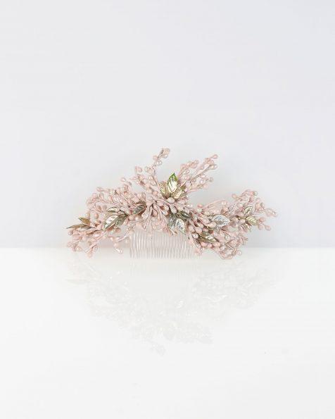 Peigne de mariée en résine, de couleur rose. Collection ROSA CLARA COUTURE 2019.