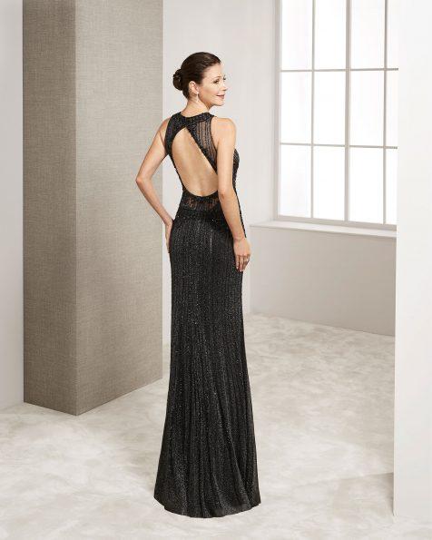 Vestido de festa comprido de brilhantes. Decote haltere e costas descobertas com xaile. Coleção ROSA CLARA COCKTAIL 2019.