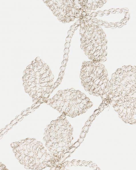 Tocado joya Natalia rama de flores y hojas en hilo de plata, en color plata . Colección ROSA CLARA COUTURE 2019.