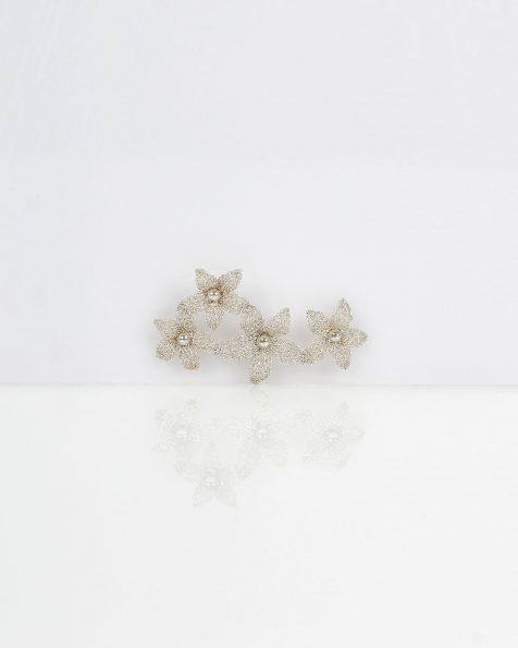 Noemi银色宝石镶饰花卉设计银丝头饰。 ROSA CLARA COUTURE 新品系列 2019.
