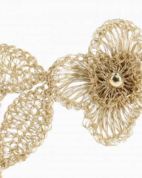 T10金色和粉色宝石镶饰花卉及叶片设计银丝头饰。 ROSA CLARA COUTURE 新品系列 2019.