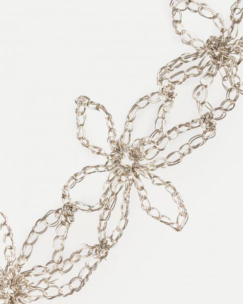 Estrella银色宝石镶饰叶片设计银丝插梳。 ROSA CLARA COUTURE 新品系列 2019.
