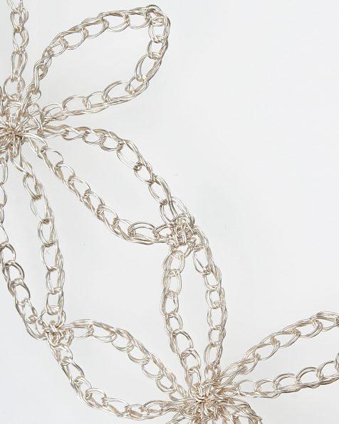 Estrella金色和粉色宝石镶饰叶片设计银丝插梳。 ROSA CLARA COUTURE 新品系列 2019.