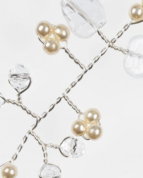 Olenka银色宝石镶饰叶片设计银丝、水晶和珍珠头饰。 ROSA CLARA COUTURE 新品系列 2019.