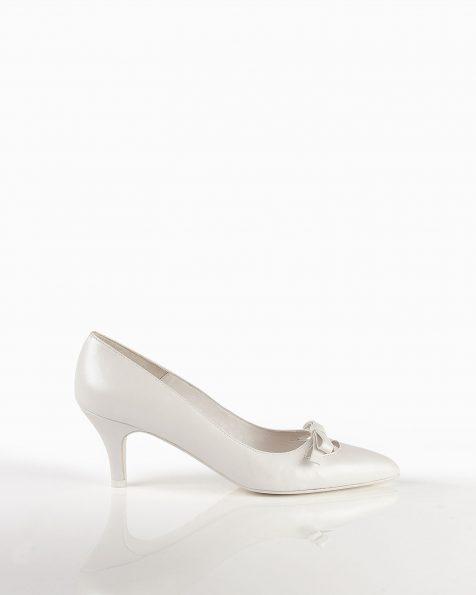 Chaussures de mariée en cuir, talon de 55mm, de couleur naturelle. Collection ROSA CLARA COUTURE 2019.