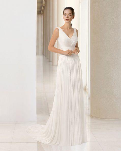 Boho-style beaded silk muslin wedding dress with V-neckline. 2019 ROSA CLARA SOFT Collection.