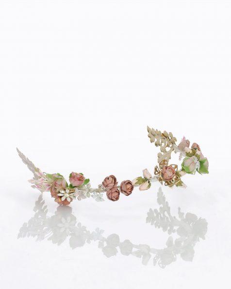 Brautkopfschmuck mit Blüten und Verzierung aus Strass und Metall. Erhältlich in mehrfarbig. Kollektion ROSA CLARA COUTURE 2020.
