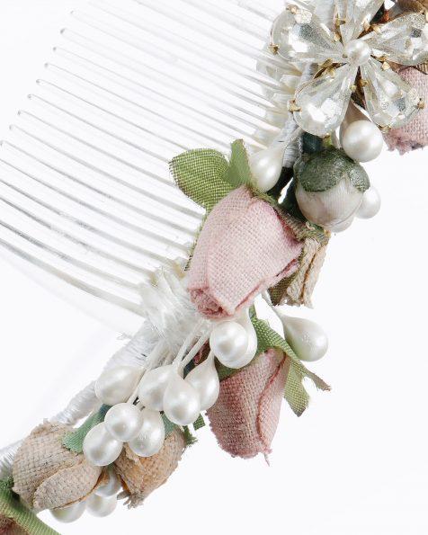 Travessa de noiva com flores, sementes e adorno de brilhantes. Disponível em rosa. Coleção ROSA CLARA COUTURE 2020.