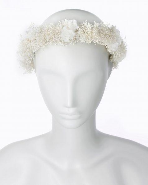 Corona da sposa stile bohemien di fiori e semi. Disponibile in colore naturale. Collezione ROSA CLARA COUTURE 2020.