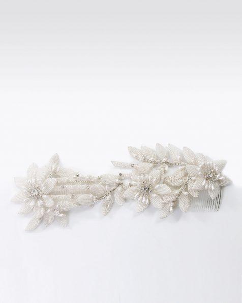 Pettinino da sposa con fiori e foglie di strass. Disponibile in naturale. Collezione ROSA CLARA COUTURE 2020.