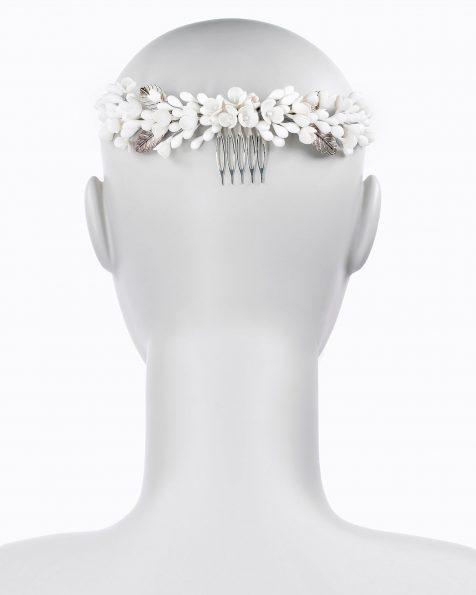 Corona de núvia de porcellana i metall. Disponible en color blanc i nude. Col·lecció ROSA CLARA COUTURE 2020.