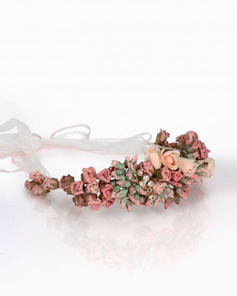 Copricapo da sposa con fiori di carta. Con decorazione di strass e nastri di organza. Collezione ROSA CLARA COUTURE 2020.