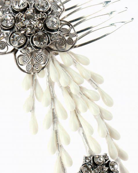 Coroa de noiva de pistilos de porcelana. Com broches de swarovski. Coleção ROSA CLARA COUTURE 2020.