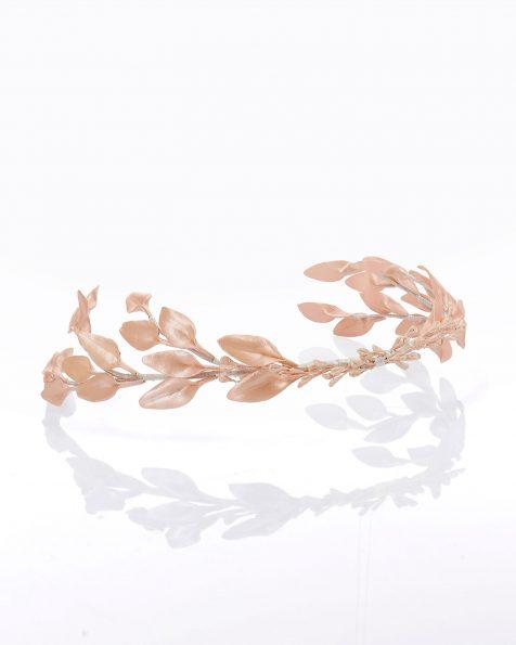 Coroa de noiva de folhas em porcelana nacaradas. Coleção ROSA CLARA COUTURE 2020.