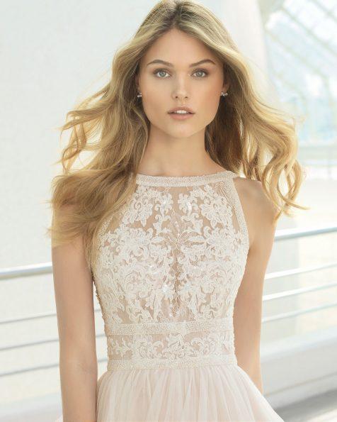 .2020 مجموعة فساتين ROSA CLARA فستان زفاف ذو تصميم للأميرات من الدانتيل المزيّن بالخرز والتل، دون أكمام ومع فتحة ظهر كبيرة. باللون الطبيعي.