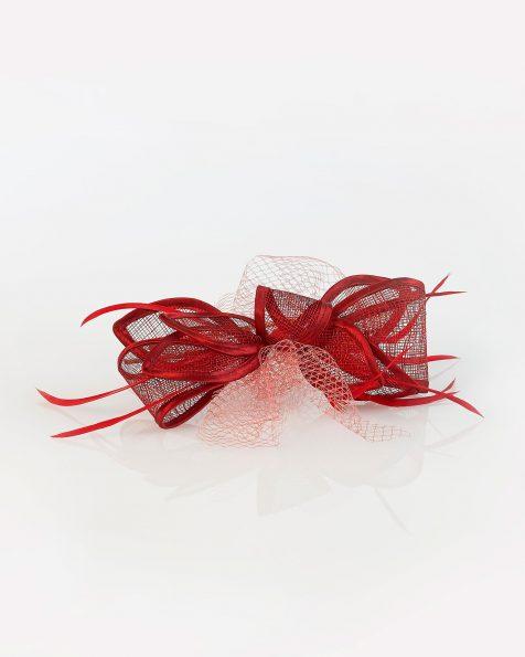 Tocado de cócktail en sinamay, red y plumas. Colección ROSA CLARA COCKTAIL 2020.