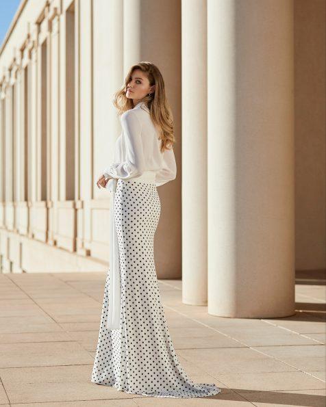 Blusa y falda de fiesta en crespón. Escote camisero con mangas largas y flor en el escote. Colección ROSA CLARA COCKTAIL 2020.