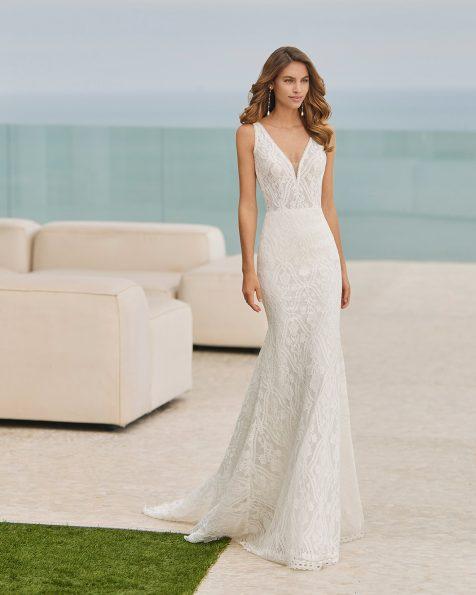 Vestido de noiva sexy de corte sereia; Com decote e costas em V. Com forro removível.  Modelo Rosa Clará Soft de noiva feito com renda. Coleção ROSA CLARA SOFT 2022.